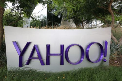 Verizon says Yahoo users must waive class action rights-or stop using Yahoo