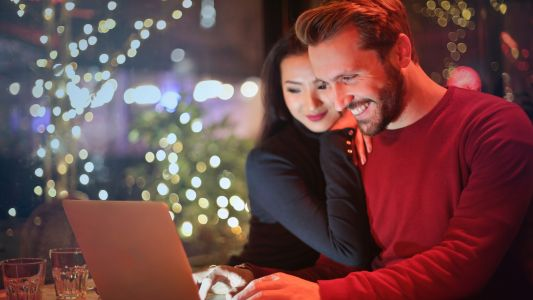 Avoid the online Christmas crooks this festive season
