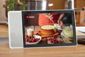 Deal: Lenovo's 8-inch smart display with Google Assistant gets a rare 60% discount