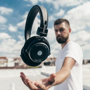 Best high-end Bluetooth wireless headphones money can buy in 2018