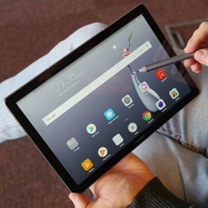 Huawei Mate SE, MediaPad M5, and Watch 2 will get Black Friday discounts at various retailers