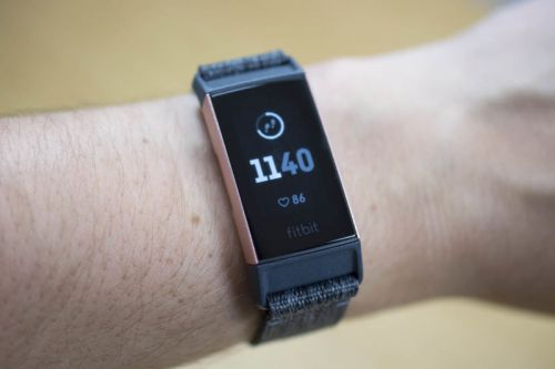 Fitbit Charge 3 review: Peppering a fitness tracker with smartwatch powers