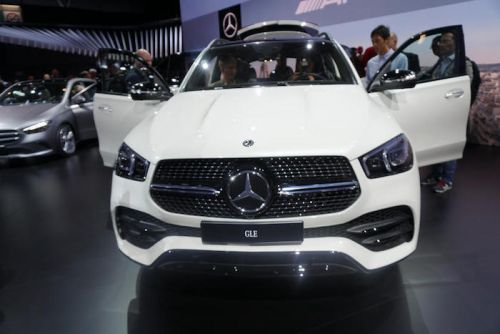 New Mercedes GLE makes its world premiere at Paris Motor Show