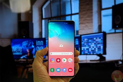 Galaxy S10 Lineup Receives Update To Improve PowerShare