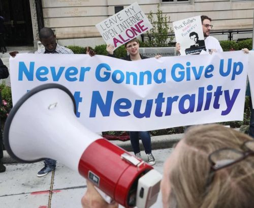 """Republicans keep pushing """"net neutrality"""" law that allows paid fast lanes"""
