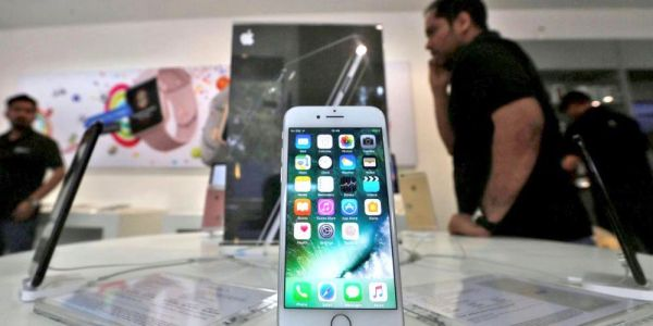 Apple's iPhone India strategy still in flux as sales for some models halted