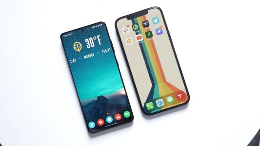 Kuo: Some 2022 iPhones to Abandon Notch in Favor of Punch-Hole Display Design