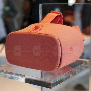 Deal: The Daydream View headset is half off on Google Store