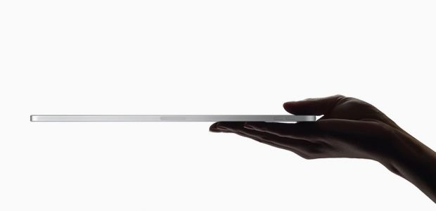 Apple's New iPad Pro Seems To Bend Pretty Easily