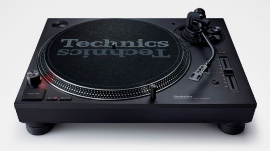 Technics upgrades its famous DJ turntable with the SL-1200 MK7