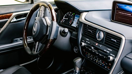 Why the 2019 Lexus RX350L doesn't use a touchscreen
