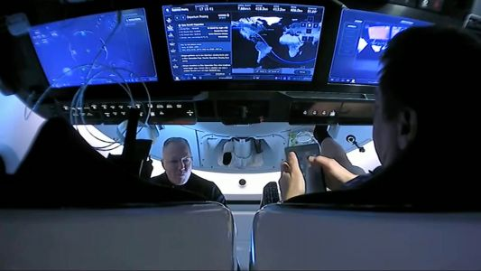 Watch SpaceX troubleshoot iPad technical difficulties with NASA astronauts during spaceflight