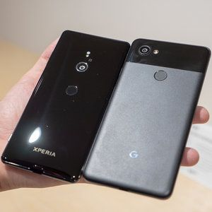 Sony Xperia XZ3 vs Google Pixel 2 XL: first look