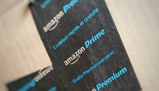 Amazon begins taking orders in Australia