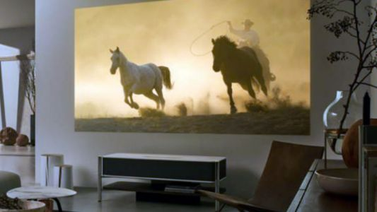 Sony shows off a 4K short-throw projector at CES for your home theater