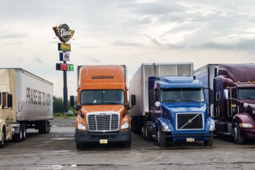 MIT says we're overlooking a near-term solution to diesel trucking emissions