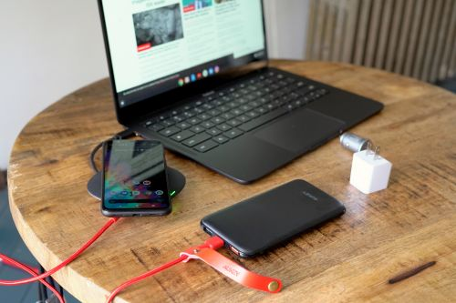 Your next smartphone might not come with a power adapter, but that's OK
