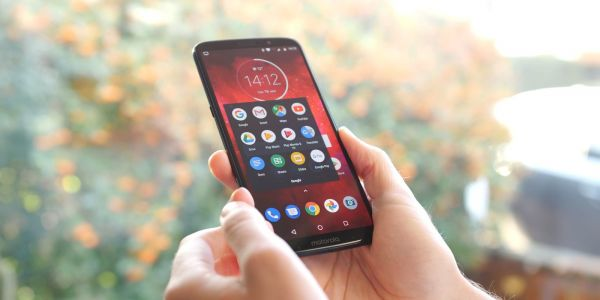 Moto Camera for Moto Z3 and Z3 Play update includes new selfie portrait mode, AR stickers and more