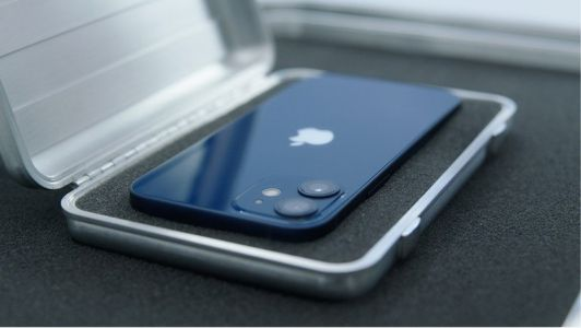 IPhone 12 mini gets its first hands-on video and it lives up to the name