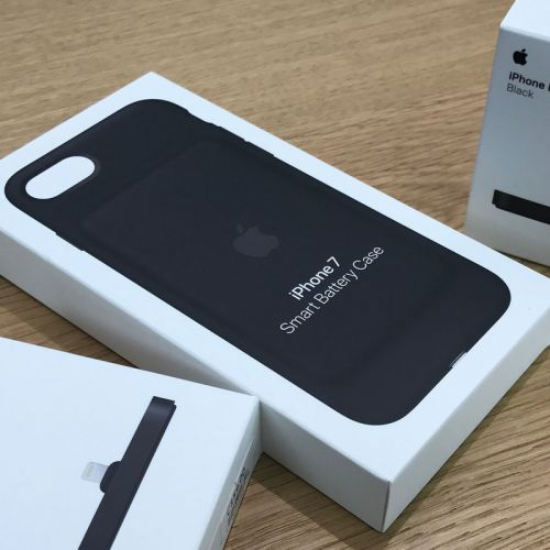 Top up your battery with almost $20 off Apple's iPhone 7 Smart Battery Case