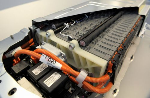 Report: Toyota and Panasonic to create an electric car-battery spinoff company
