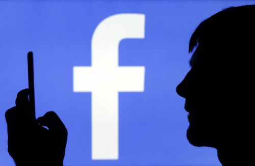Facebook offers to pay users for their voice recordings