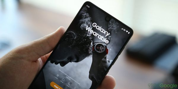 Samsung Wearable sideloads the Samsung Pay APK, breaking Google rules