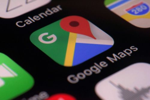 Google Maps adds new Commute tab that shows your bus or train in real time