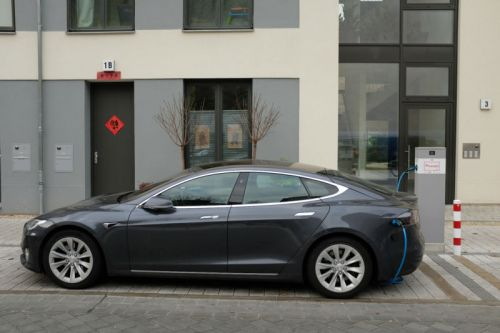 Motor technology from Model 3 helps Tesla boost Model S range 10%