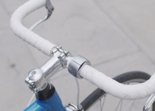 Minimalist bicycle smartphone holder and mount