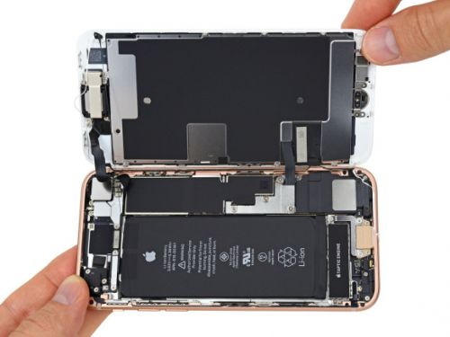 Apple is giving $50 refunds to anyone who replaced an iPhone battery last year