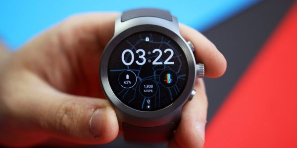 Android Wear Oreo beta features disable tap-to-wake setting, manual battery saver toggle