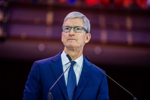 Apple plans to pull back on hiring as a result of slower iPhone sales