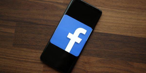 Facebook to begin rolling out autoplay video ads to Messenger users
