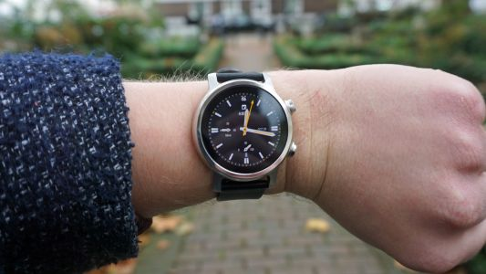 A cheap smartwatch could be one of three new Motorola wearables coming in 2021