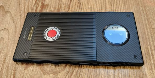 RED Hydrogen One unboxing and hands-on: This is big