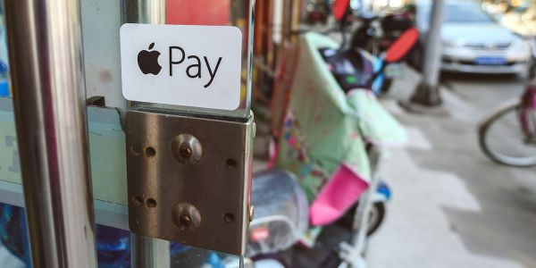 The two reasons Apple Pay in the US lags way behind Europe