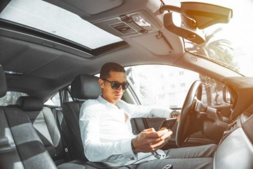 Australia To Install Cameras That Can Detect Drivers Using Their Phones