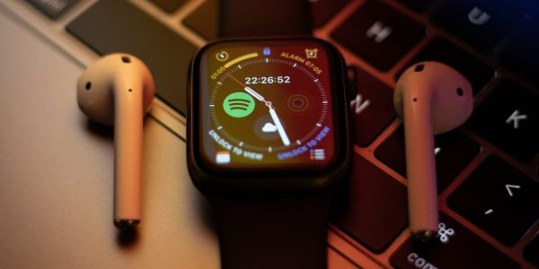 Apple Watch Series 7 battery capacity boosted, more colors - report