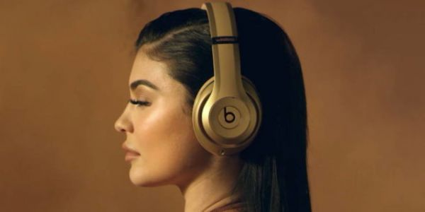 Branded Apple Over-Ear Headphones Launch Expected This Year