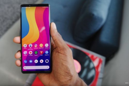 Sony Xperia 5 II gets reviewed