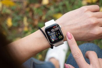 Save up to $300 on the Apple Watch Series 5 on Amazon