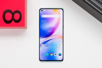 Verizon's OnePlus 8 5G UW finally receiving OxygenOS 11 update based on Android 11