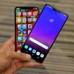 LG G7 ThinQ vs Apple iPhone X: first look