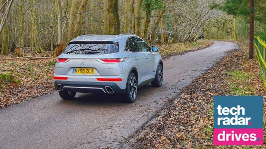 DS 7 Crossback: this premium SUV can see hazards at night that you can't