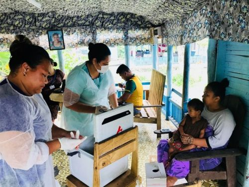 Measles outbreak spurred by anti-vaxxers shuts down Samoan government