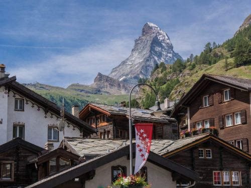SwissRealCoin promises a stable cryptocurrency backed by Swiss real estate