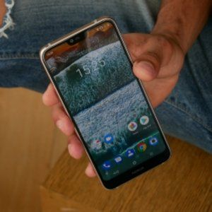 Nokia 7.1 Hands-on: A Mid-Range Beauty with Some Tricks