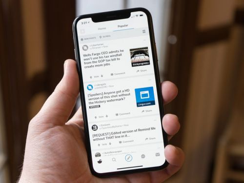 Reddit users can now share posts directly to Snapchat on iOS