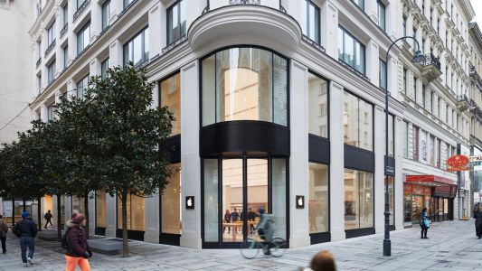 Apple shares fresh photos of new Vienna, Austria retail store ahead of grand opening Saturday